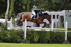Garcia fly the hedge at Hickstead