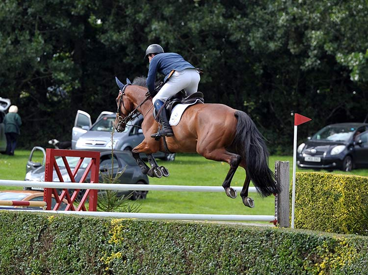 jb-showjumping-competition-intro.jpg